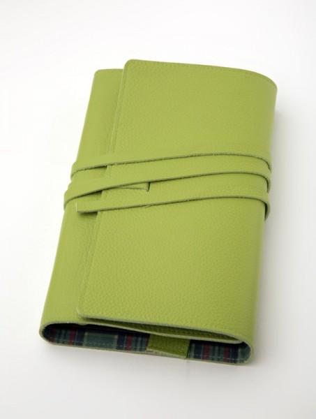LITERAturtasche | Größe L | grün | Buchhülle aus echtem Leder