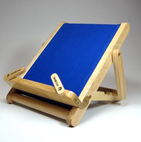 Bookchair Medium   blau   Buchständer aus Holz